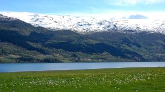 Lake Vangsvatnet in Voss