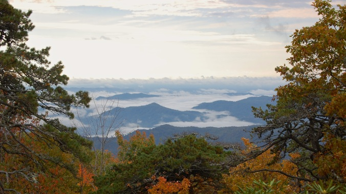 photo of a smoky valley seen from the Blue Ridge Parkway